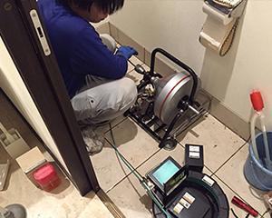 大阪市トイレ詰まり 通管作業